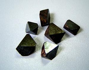 3f40e412c84 ... Foto 2 - octaedros de magnetita ...