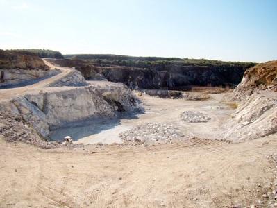 Estudos Geológicos na Mina de mármore Hulha Negra na Folha Bagé